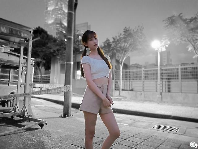 [神人] 手機廣告的女模